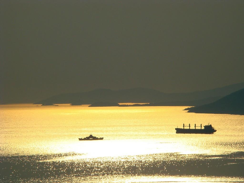 PERISTIL & trajekt pred Splitom 2010 011_resize_Jadran