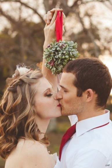 Lovely winter wedding kiss