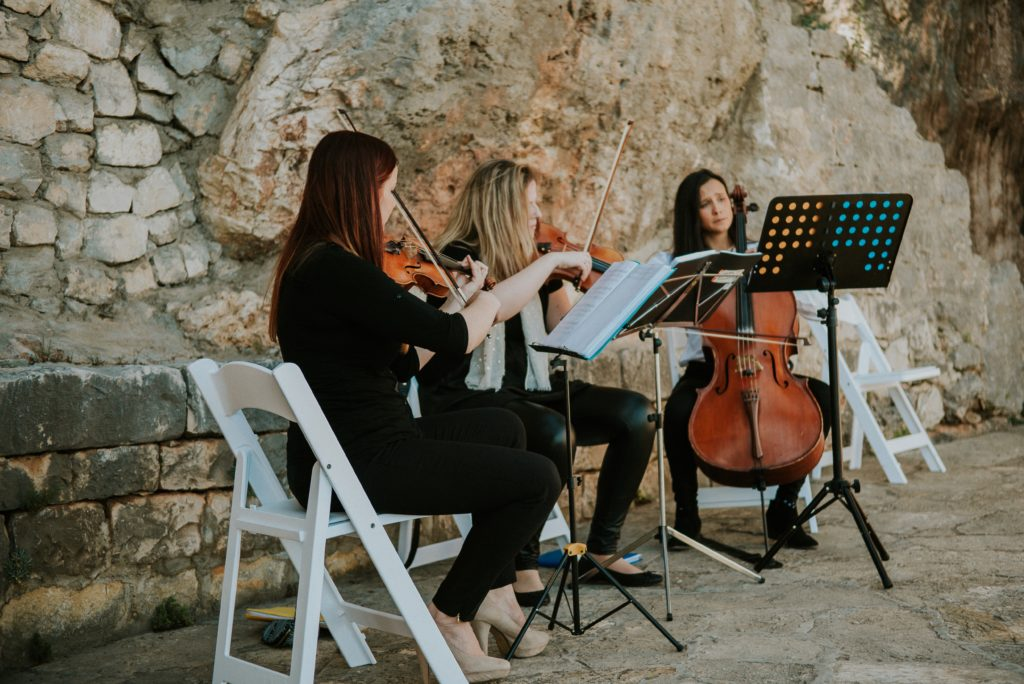 Classical music on traditional wedding europa