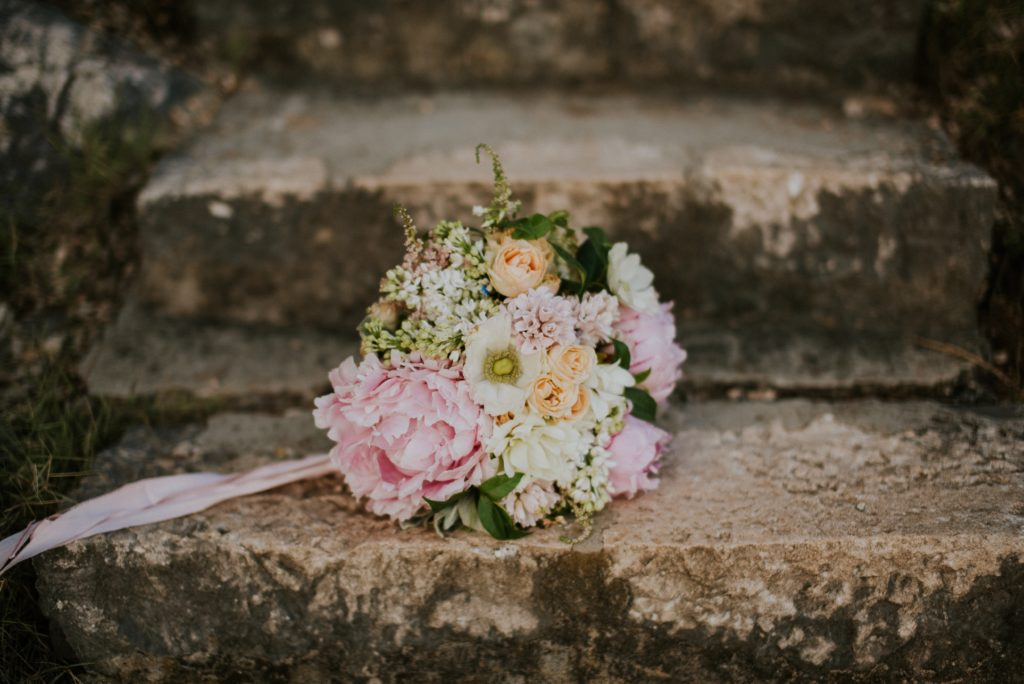A bouquet of flowers wedding